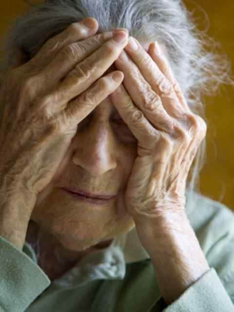 Blood test predicts Alzheimer's disease