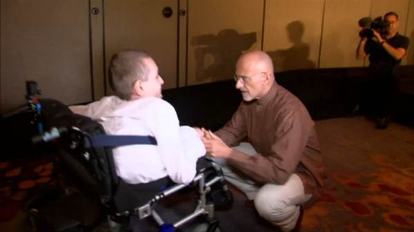 An Italian doctor wants to perform head transplant surgery within 3 years