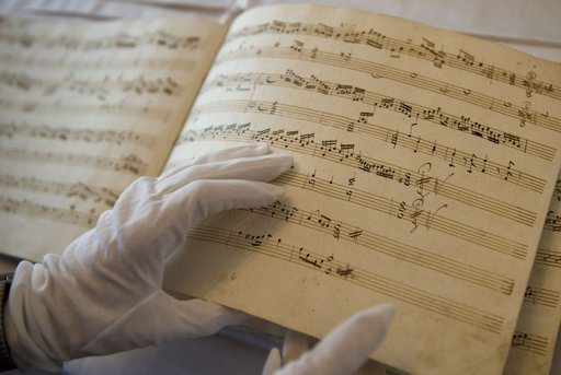 Switching Mozart to concentrate in study