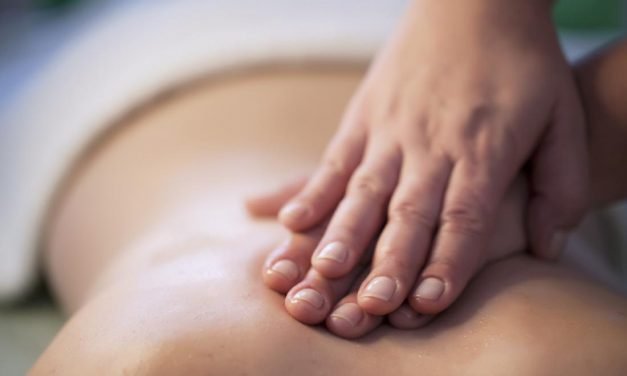 Massaging your partner can boost your well-being, reduce stress